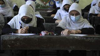Alumnas en una escuela de Herat, 17 de agosto de 2021.