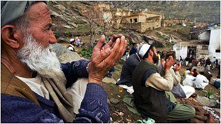 صورة أرشيفية لأفغانيين يحتفلون بذكرى المولد النبوي  في العاصمة الأفغانية كابول