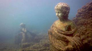 تاريخ عريق مغمور بالمياه في مدينة نابولي الإيطالية