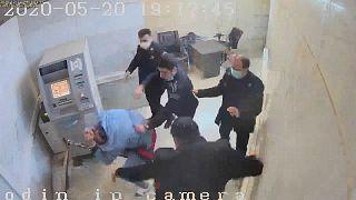 İran hapishanelerinde dayak görüntüleri