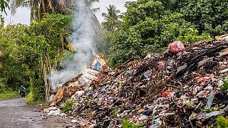 على الرغم من أن تغير المناخ يؤدي إلى تفاقم حرائق الغابات، فلا يزال هناك أشياء يمكننا القيام بها للمساعدة في منعها في بلداننا.