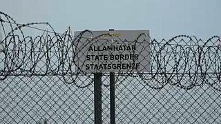 Венгрия усиливает охрану границ