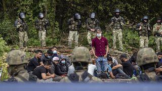 Η Πολωνία θωρακίζει τα σύνορά της για να σταματήσει τους μετανάστες