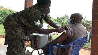 Covid-19 : la vaccination en Ouganda ralentie par le manque de doses