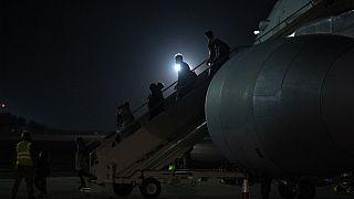 Arrivée au Royaume-Uni de passagers rapatriés d'Afghanistan