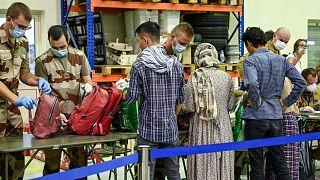 Fransa'nın tahliye ettiği Afgan mülteciler