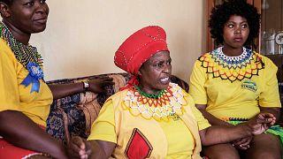 دورات تحسيسية لزيادة الوعي لدى الفتيات بأهمية العذرية، إزاخيني، لاديسميث، جنوب إفريقيا، 16 فبراير 2016