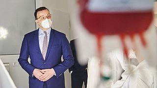 Gesundheitsminister Jens Spahn in einem Krankenhaus in Berlin