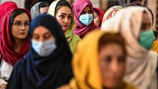 أفغانيات يشاركن في تجمع ضد انتهاكات حقوق الإنسان المزعومة ضد النساء من قبل نظام طالبان في أفغانستان، كابول، 2 أغسطس 2021