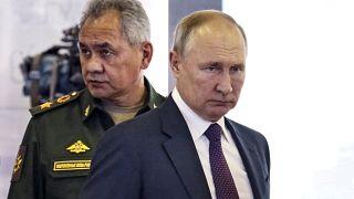 فلاديمير بوتين ووزير الدفاع الروسي سيرغي شويغو