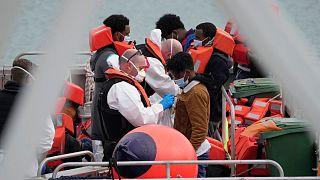 رکورد جدید عبور پناهجویان از کانال مانش برای رسیدن به بریتانیا