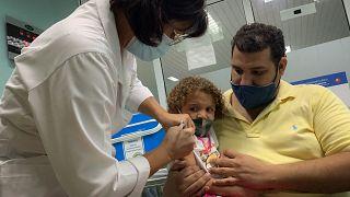 Vacina pediátrica cubana na fase final de testes
