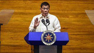 يتحدث الرئيس الفلبيني رودريغو دوتيرتي خلال الخطاب السنوي عن حالة الأمة في مجلس النواب في مانيلا، الفلبين، 26 يوليو 2021