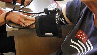 Allarme OMS: ultratrentenni con ipertensione raddoppiati in 30 anni