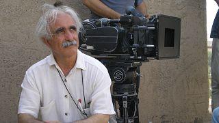 محمدرضا اصلانی سر صحنه سریال آتش سبز