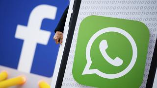 Facebook ve WhatsApp logosu