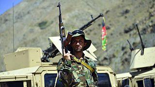 Egy Ahmad Maszúdhoz és az NRF-hez hű harcos a Pandzsír völgyében, 2021 augusztus 26-án.