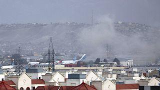 Az első felvételek egyike a robbanás miatt keletkezett füstről