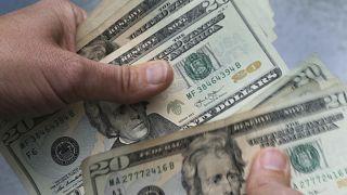 صورة أرشيفية للدولار الأمريكي