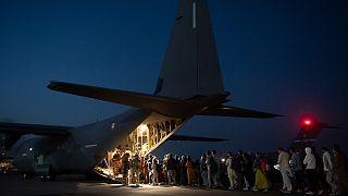 خروج نیروهای خارجی از افغانستان ادامه دارد