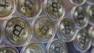 Illustration : représentation physique du Bitcoin en pièces de monnaie