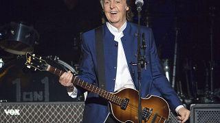 Paul McCartney koncertezik Floridában 2017. július 10-én