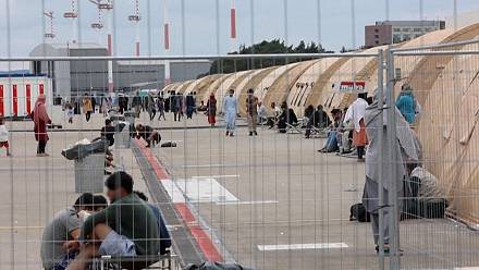 Germany: Ramstein airbase becomes a tent city