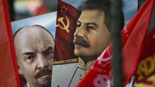 Портреты Сталина и Ленина