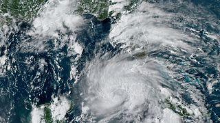 GOES-16 East GeoColor uydusundan çekilen görüntü, Ida Kasırgası'nın Küba'nın batı kıyılarına ulaştığını gösteriyor