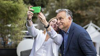 2019-es felvétel: Orbán Viktor és Giorgia Meloni az Olasz Testvérek (FdI) párttalálkozóján Rómában