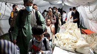 لاجئون أفغان