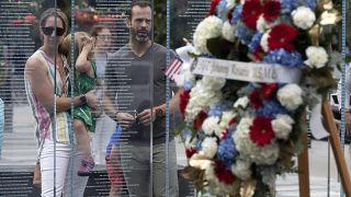 Церемония памяти погибших во время теракта в Кабуле морских пехотинцев в Бостоне 28 августа 2021