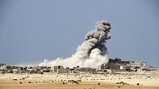 Yemen'de Mocha şehrine yapılan bir füze saldırısı, AP Arşiv.