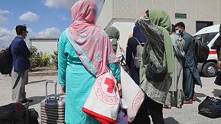Delle rifugiate afghane al centro operativo di Avezzano