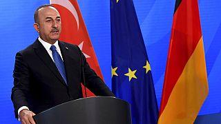 Türkiye Dışişleri Bakanı Mevlüt Çavuşoğlu, Afganistan'daki insani kriz hakkında Suriye konusundan ders çıkarılması gerektiğini söyledi.