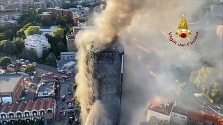 بدأ الحريق في الطوابق العلوية ثم انتقل إلى الأسفل بحسب مسؤولين