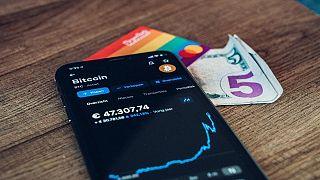 تزايد عدد الشركات التي تستخدم العملات المشفرة