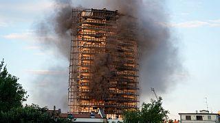 آتش سوزی برج ۲۰ طبقه در میلان ایتالیا