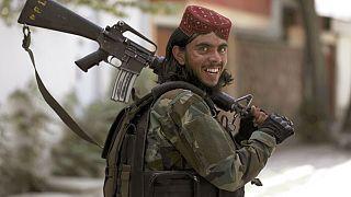 مقاتل من حركة طالبان يقوم بدوريات في وزير أكبر خان في مدينة كابول، أفغانستان، الأربعاء 18 أغسطس/آب 2021.