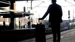 Wartender am Bahnhof Düsseldorf während des jüngsten Bahnstreiks am 24. August.