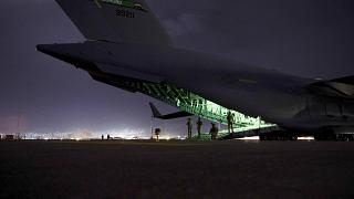 Le C-17 Globemaster III transportant les soldats de la 82e division aéroportée de l'armée américaine, dernier vol américain à quitter le territoire afghan le 30 août 2021
