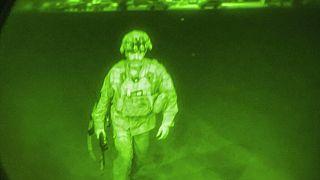 Le Maj. Gen. Chris Donahue est le dernier soldat américain a avoir quitté l'Afghanistan dans la nuit de lundi à mardi