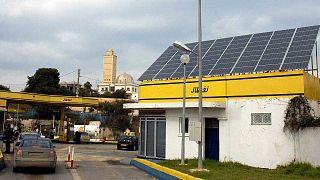 محطة للتزويد بالوقود في الجزائر
