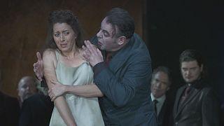 La Royal Opera House vuelve a vibrar con una nueva y potente versión de 'Rigoletto' de Verdi