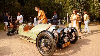 Владельцы редких автомобилей показали свои сокровища