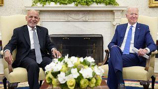 لقاء بين الرئيس الأمريكي والرئيس الأفغاني السابق في البيت الأبيض. 25/06/2021