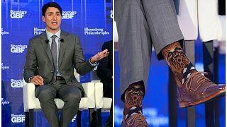 Kanada választ - Trudeau megütheti a zokniját?