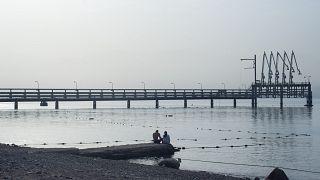 خط انتقال نفت در بندر الیات اسرائیل در جنوب دریای سرخ
