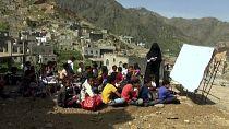 Yemeni children return to school amid war and pandemic