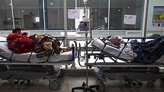 Archivo. Pacientes en un hospital de Zipaquira, en Colombia, el pasado junio.